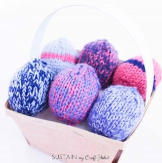 Make some simple Easter decor with these knitted Easter eggs. Free knitting pattern included!