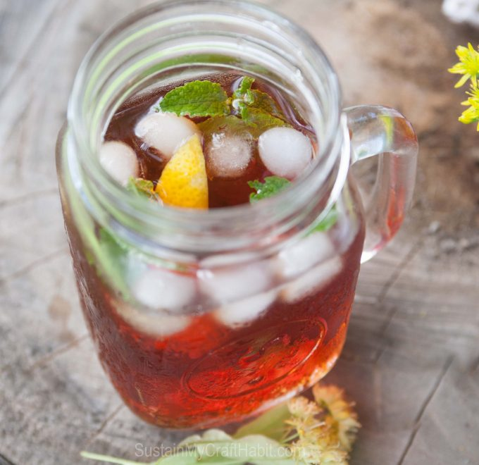 Iced linden tea infused with lemon and fresh mint