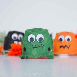 Spiderific Halloween Garland