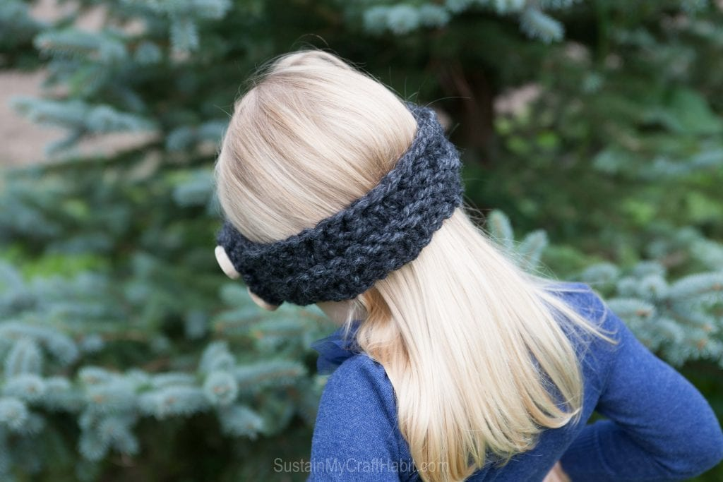 Back view of child's knit headband pattern