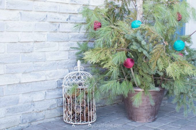 Front porch decor for the winter
