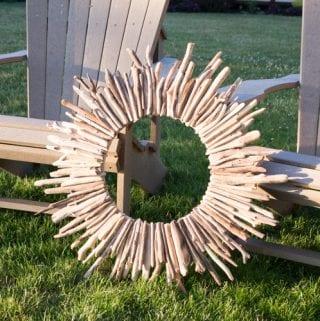 DIY driftwood wreath as a lake house decor idea