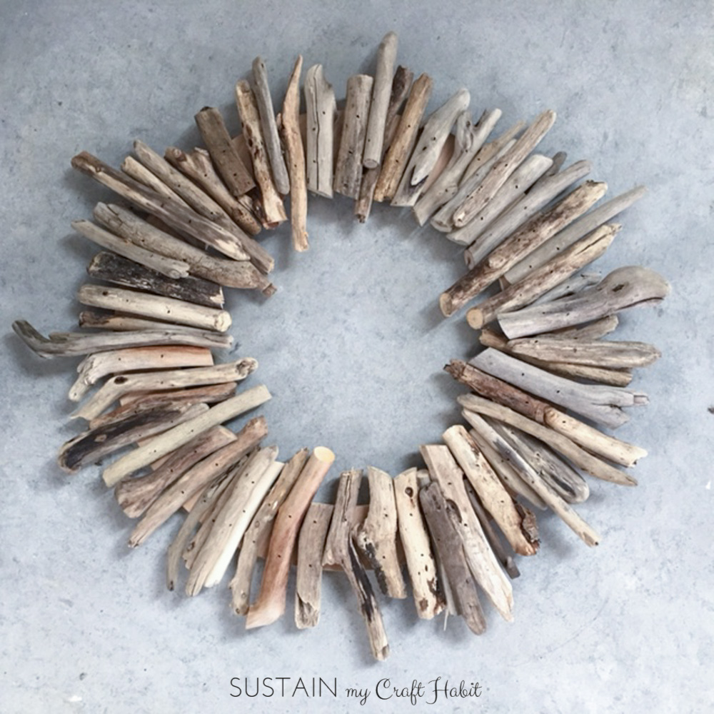 How to make a diy driftwood wreath sustain my craft habit for How to work with driftwood