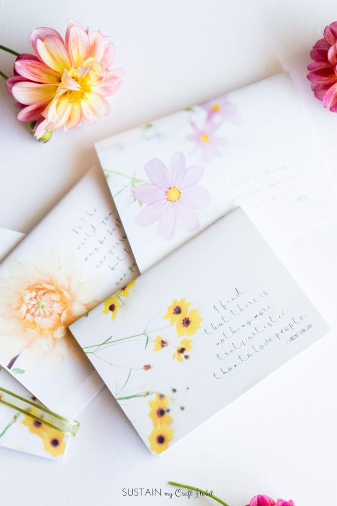 Make your own floral notebooks with these free printable covers. Thoughtful handmade gift idea!