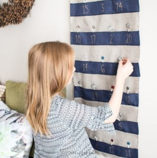 Easy DIY Advent Calendar with Ribbon and Burlap: #12MonthsofDIY