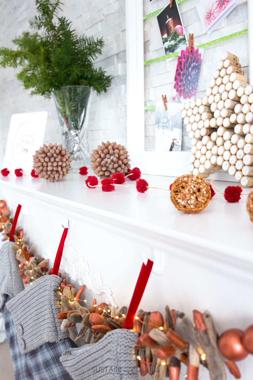 Create Your own Rustic Christmas Mantel with These 10 DIY ...