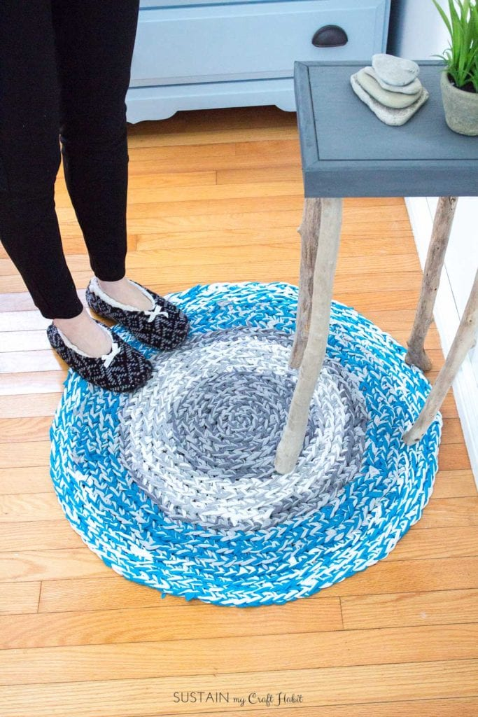 DIY rag rug with upcycled tshirt yarn