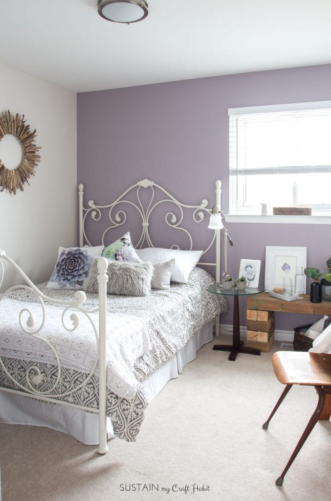 mauve lous guest bedroom ideas a simple spare room refresh sustain my craft habit. Black Bedroom Furniture Sets. Home Design Ideas