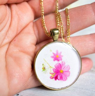 How to Make Resin Jewelry: DIY Birth Month Flower Pendants