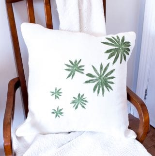 DIY throw pillow covers made with leaves from your garden. Full tutorial for this simple craft home decor idea included.