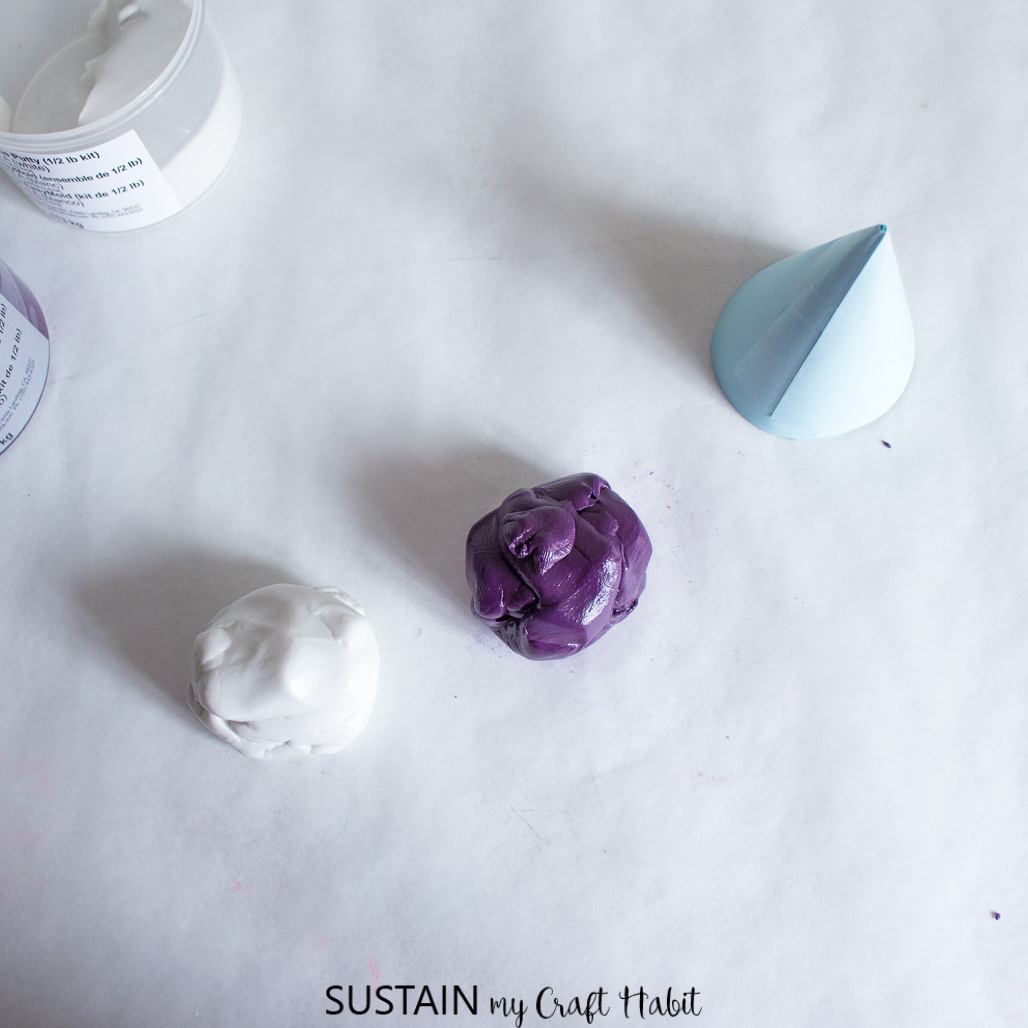 How to make a silicone mold using EasyMold silicone putty.
