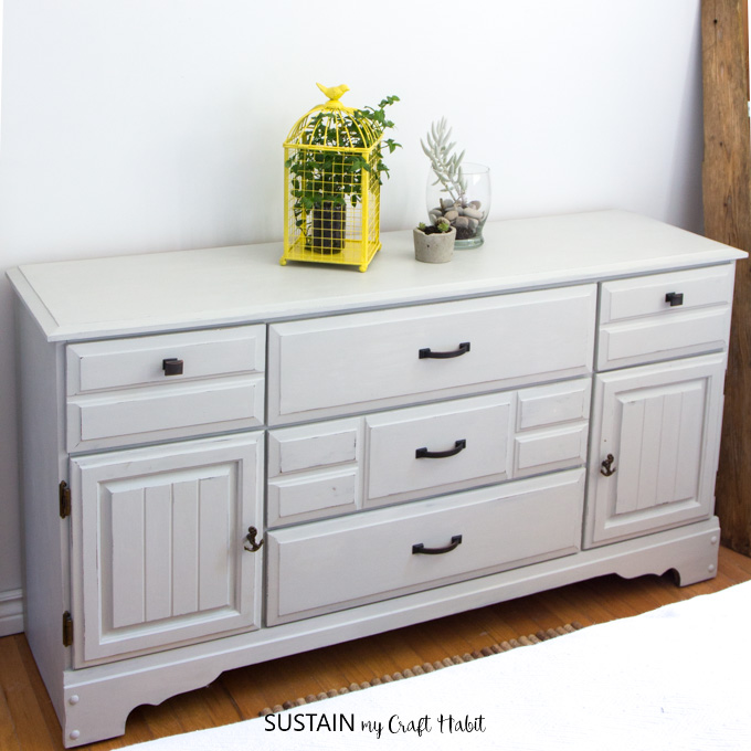 If you've ever wondered how to paint a wood dresser, we've got the step by step tutorial right here using environmentally conscious Country Chic Paint.