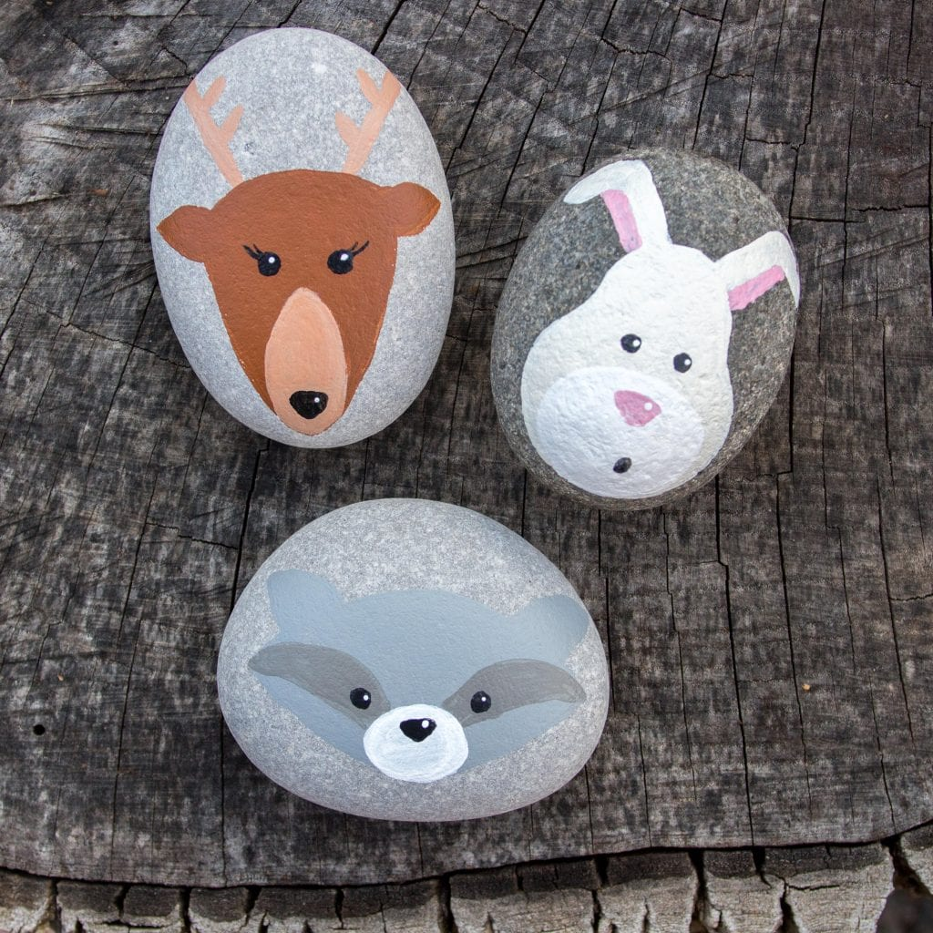 Woodland animals painted rocks. Such cute little crafts for the garden or indoors!