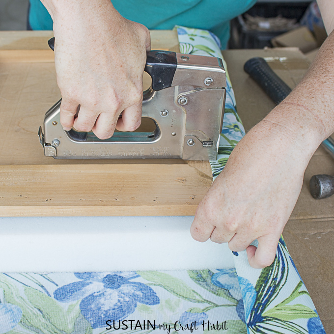 how to upholster a dining chair