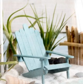 Adorable DIY Mini Adirondack Chairs