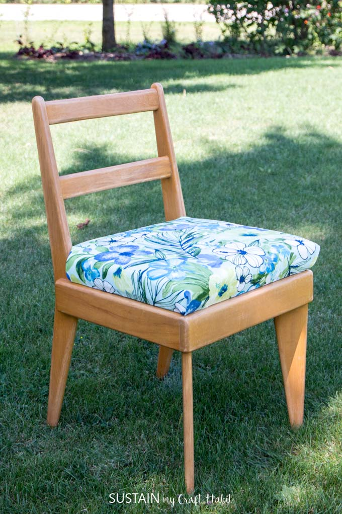 Learn how to reupholster a chair with this DIY tutorial | Step-by-step & How to Reupholster a Chair Seat u2013 Sustain My Craft Habit