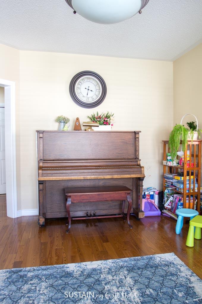 Family Room Decorating Ideas: Blue Living Room Makeover ...