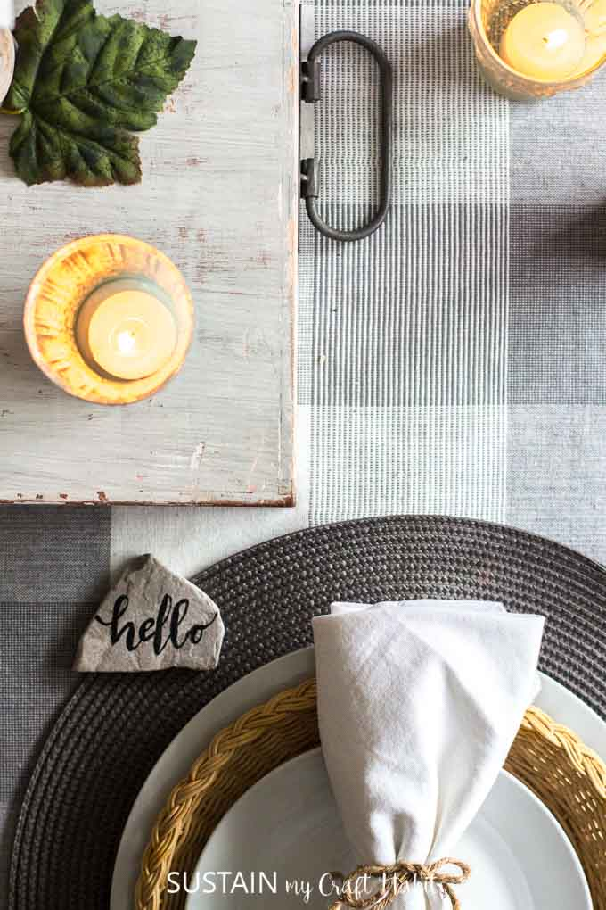 Gorgeous rustic chic fall home tour \ Fall decorating ideas with natural materials \ Teal and neutral fall decor \ Canadian bloggers fall home tour \ DIY autumn decorating ideas #falldecor #cbhometour #rusticdecor #rusticchic #wheat #woodlandtheme #diy #homedesign