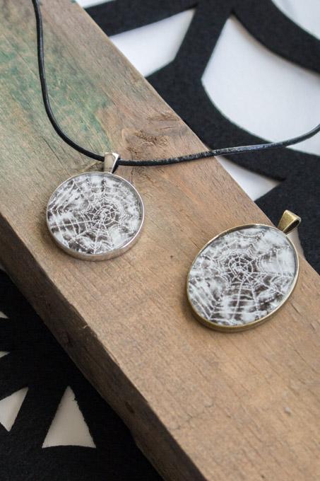 DIY Halloween pendants using Envirotex Lite Jewelry Resin / Halloween fashion accessory / Watercolor spider web art / Watercolor art