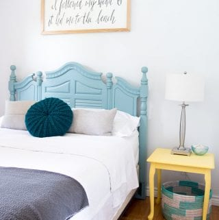 Beach themed bedrooms | Teal and yellow bedroom decor ideas | #coastalstyle #coastalcottage #lakehouse