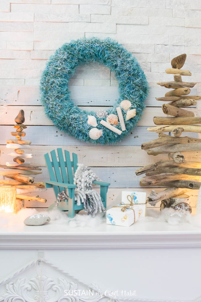 Canadian bloggers Christmas home tours! Check out our Cozy Coastal Christmas mantel filled with beautifully beachy DIY ideas for a #coastalChristmas . Christmas mantle ideas | christmas mantle ideas with fireplaces | coastal christmas #mantel decorating ideas
