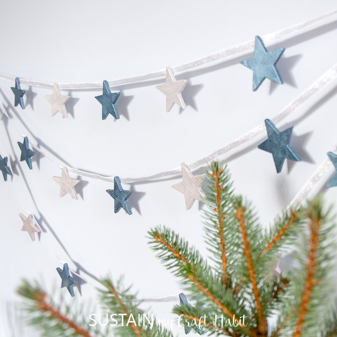 DIY wooden start garland with metallic paint