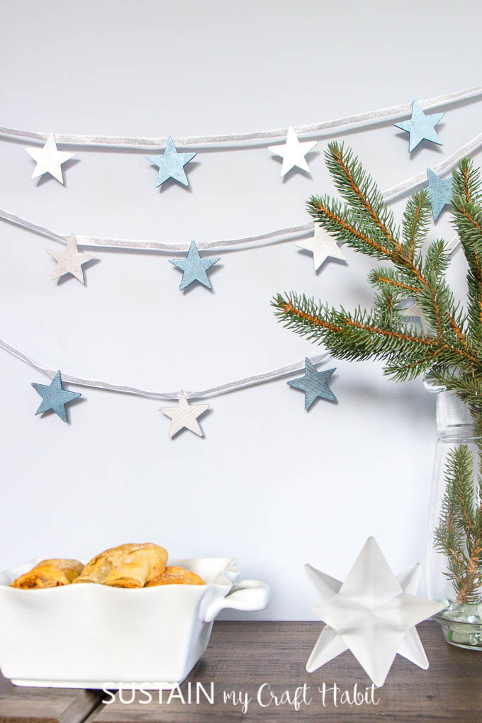 DIY winter decorating ideas with stars | Neutral winter decor ideas | New Year's Eve decorations