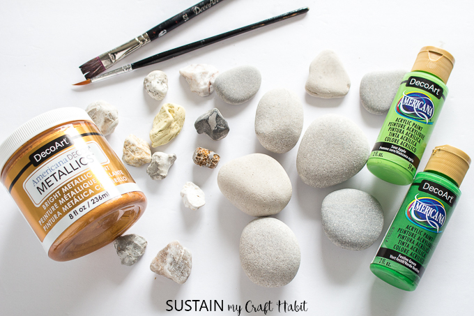 Supplies needed for this Saint Partick's Day craft idea.