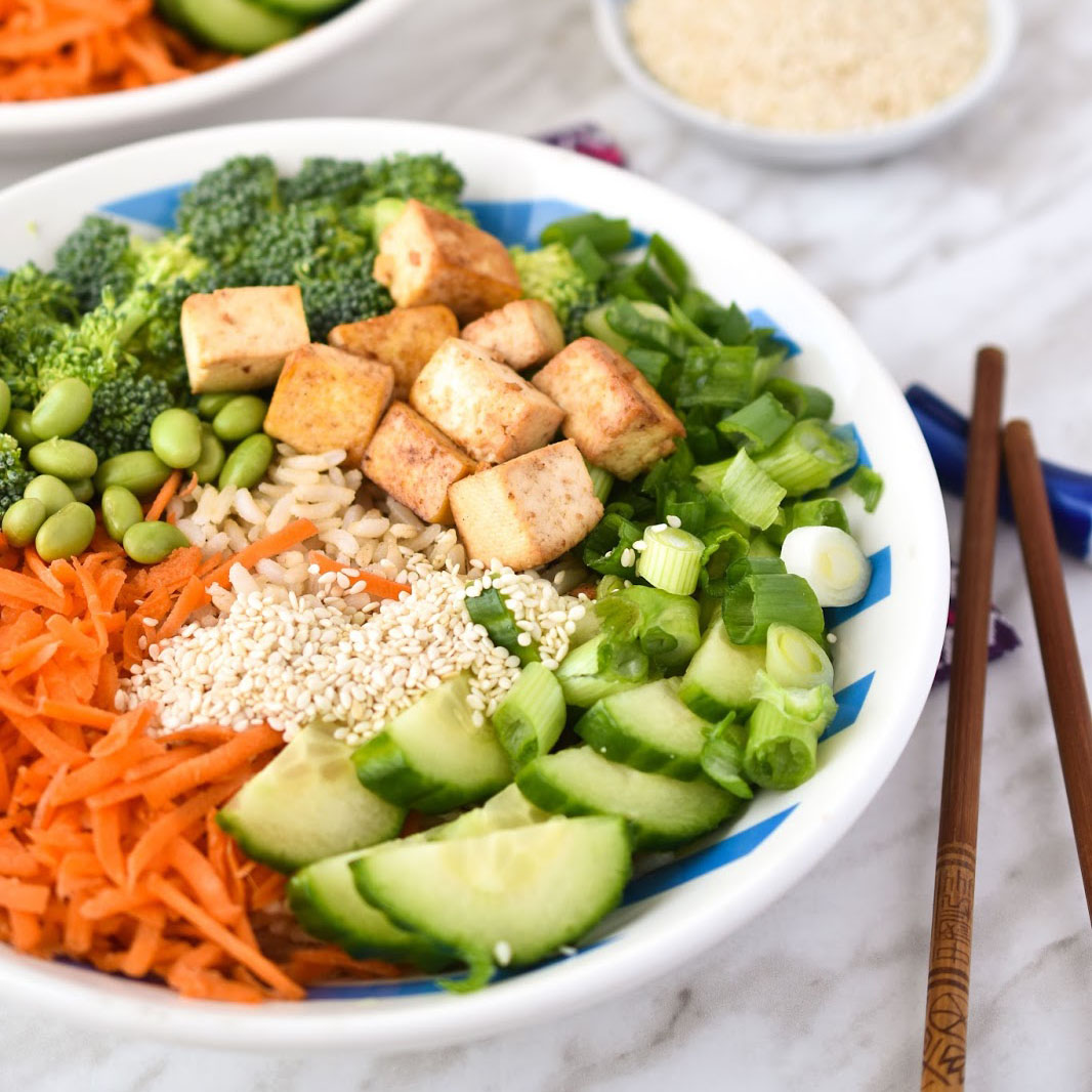 Healthy teriyaki bowls with tofu