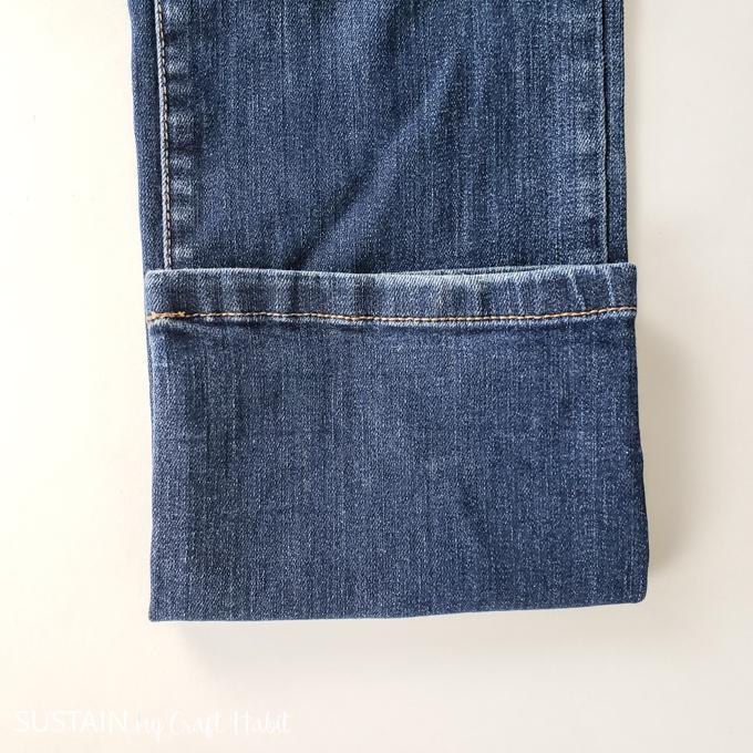 straight leg jean folded