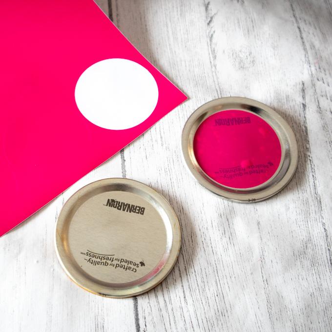 covering mason jar lid with vinyl circles