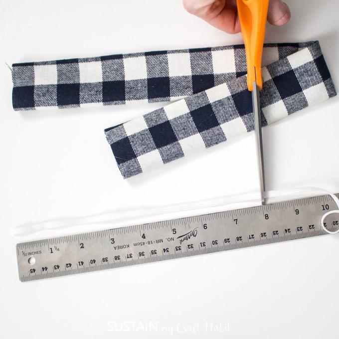 cutting elastic for no sew scrunchie
