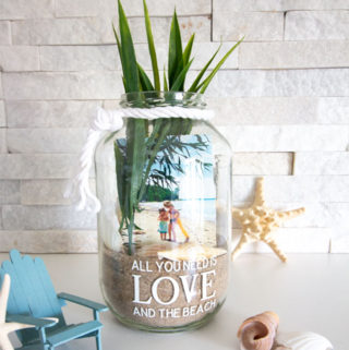 A Beach Photo Display Jar!