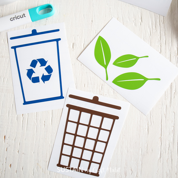 labels made with Cricut Joy for identifying the recycling bin, garbage bin and compost