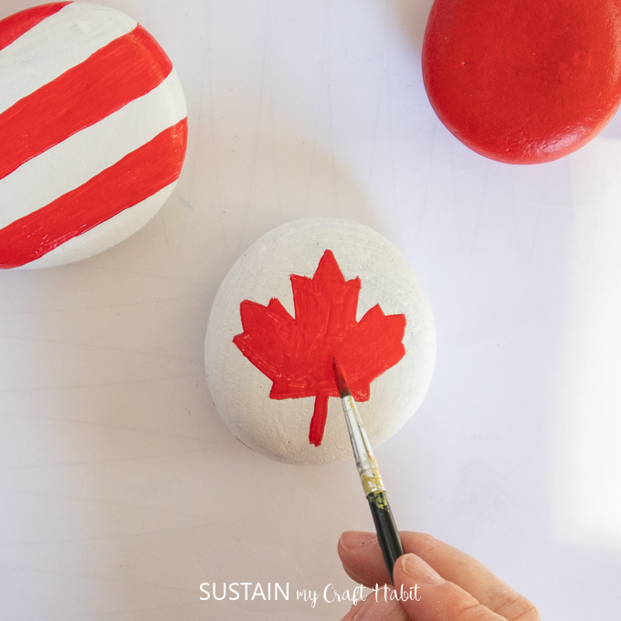paint the maple leaf in red