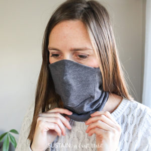 alternative face mask style with built in ceneter nose and mouth panel