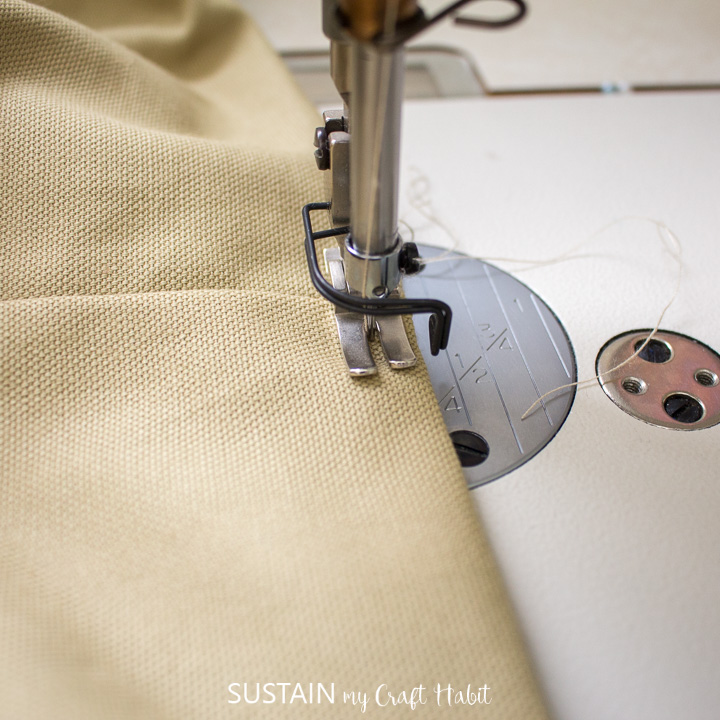 topstitching along the opening edge of the large camo tote bag