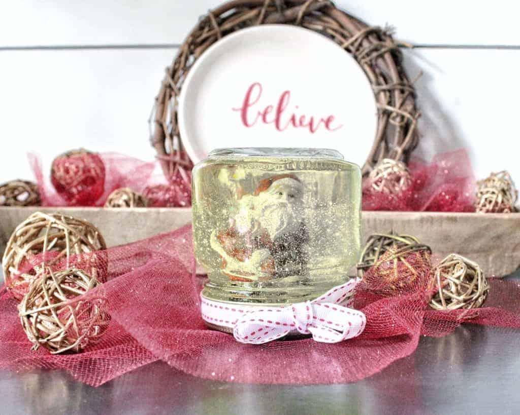 mason jar Christmas crafts mini snow globe.