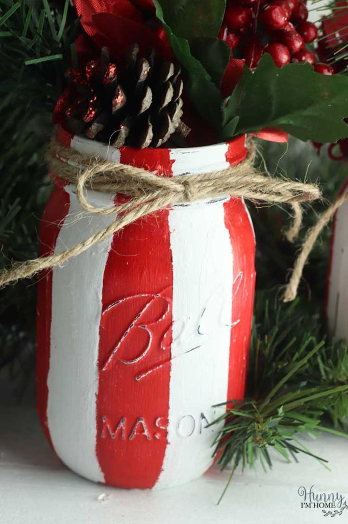Mason jar Christmas crafts decor.