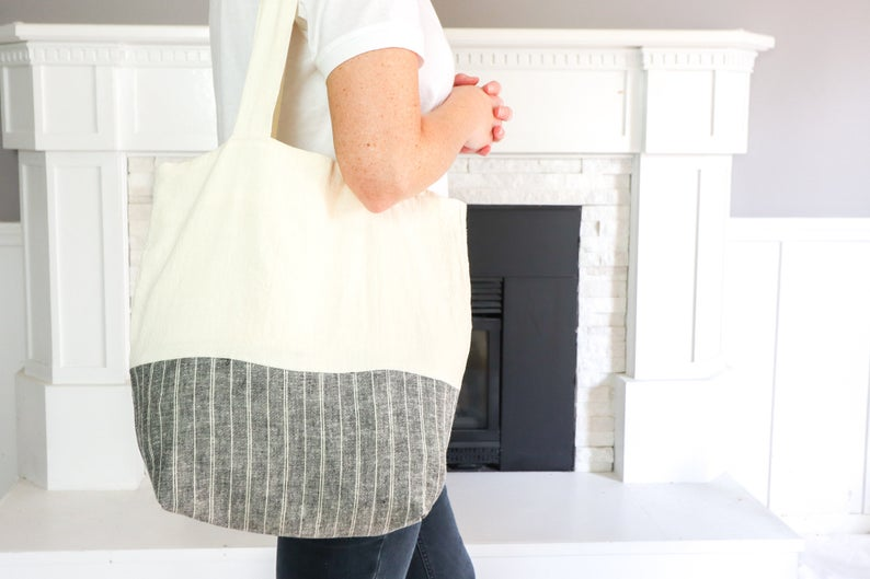 Wearing a two color toe bag.