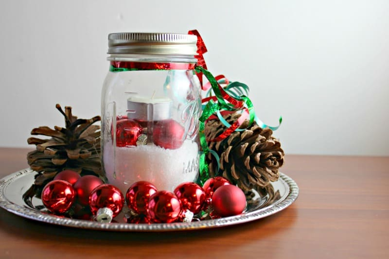 Mason Jar Christmas crafts table decor.