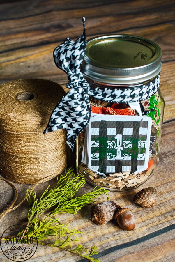 mason jar christmas craft advent calendar.