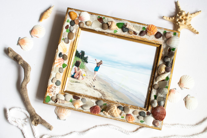 A picture added to the beachcombers picture frame.