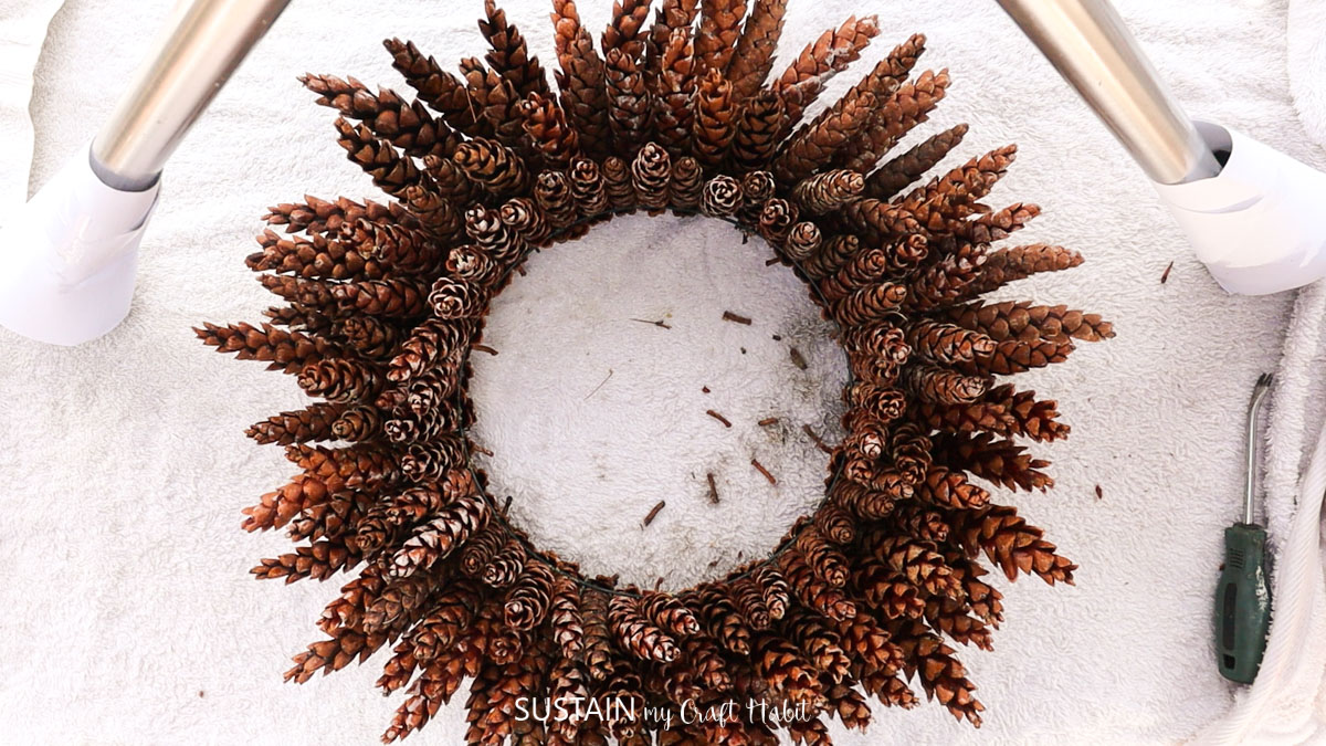 Finished pinecone wreath.